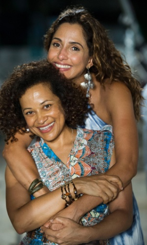 Regina ( Camila Pitanga ) e Dora ( Virgínia Rosa ) de