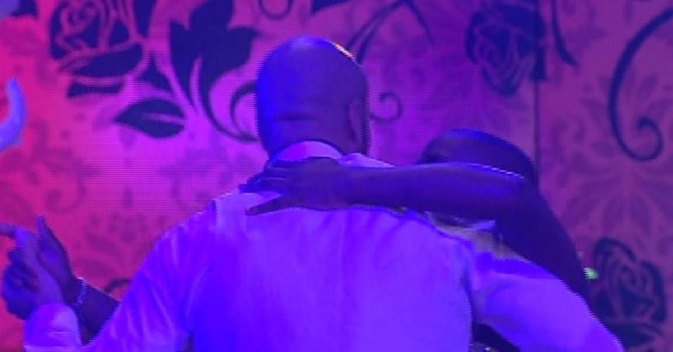 """24.jan.2015 - Angélica e Fernando dançam valsa na primeira festa do """"BBB15"""""""