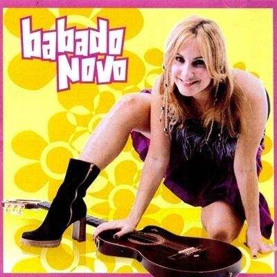 Capa do primeiro disco do Babado Novo, que teve apenas distribuição regional na Bahia, lançado em 2001