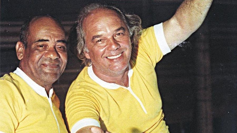 Dodô (à esquerda) e Osmar, inventores do trio elétrico do Carnaval de Salvador - Mario Luiz Thompson/Folhapress