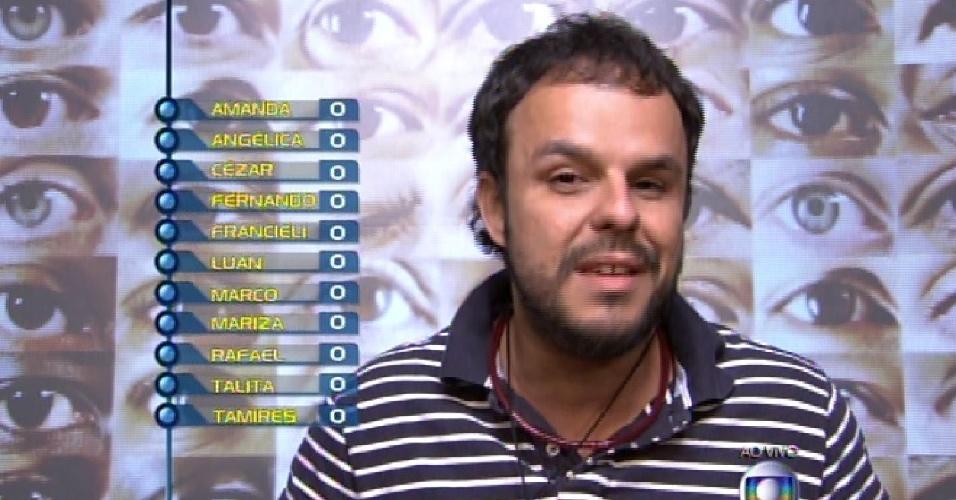 """25.jan.2015 - Adrilles vota em Francieli na formação do primeiro paredão do """"BBB15"""""""