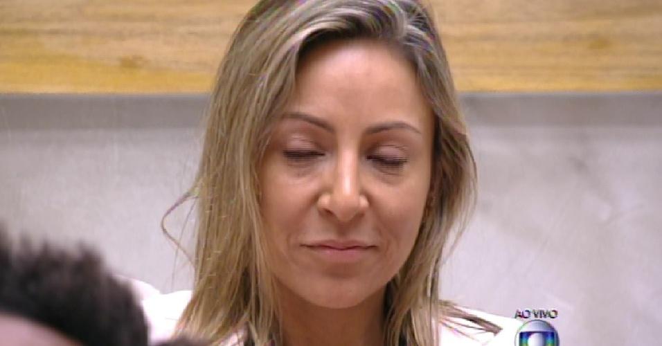 """25.jan.2015 - Francieli recebe seis votos e disputa primeiro paredão do """"BBB15"""" com Douglas, escolhido pela líder Mariza"""