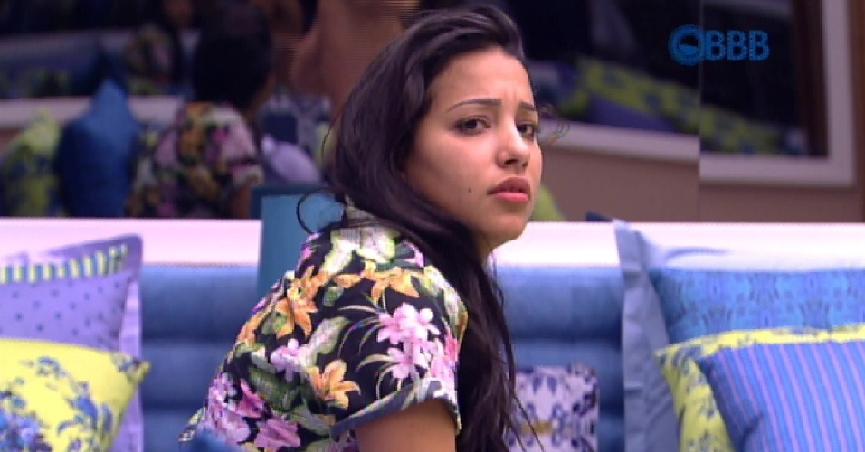 "26.jan.2015 - Talita conversa com Rafael no quarto do ""BBB15"""