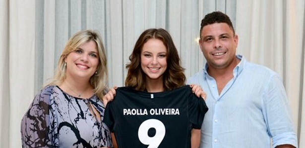 Depois de Paula Fernandes, Paolla Oliveira é a segunda mulher a assinar com a empresa de Ronaldo