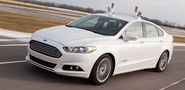 """Posicionados no teto, sensores do Fusion Hybrid autônomo conseguem """"ler"""" ambiente em volta do carro numa frequência de até 2,5 milhões de vezes por segundo - Divulgação"""