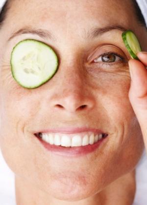 Afinal, as tão usadas compressas de pepino ajudam a clarear as olheiras? - Getty Images