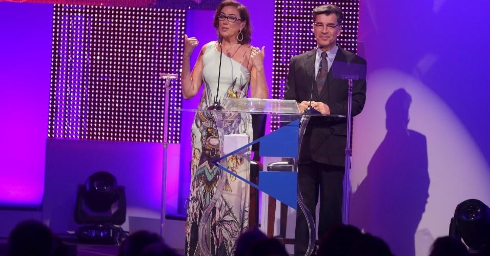 27.jan.2015 - Lilia Cabral e Paulo Betti apresentam o Prêmio Cesgranrio de Teatro no Copacabana Palace, Rio de Janeiro