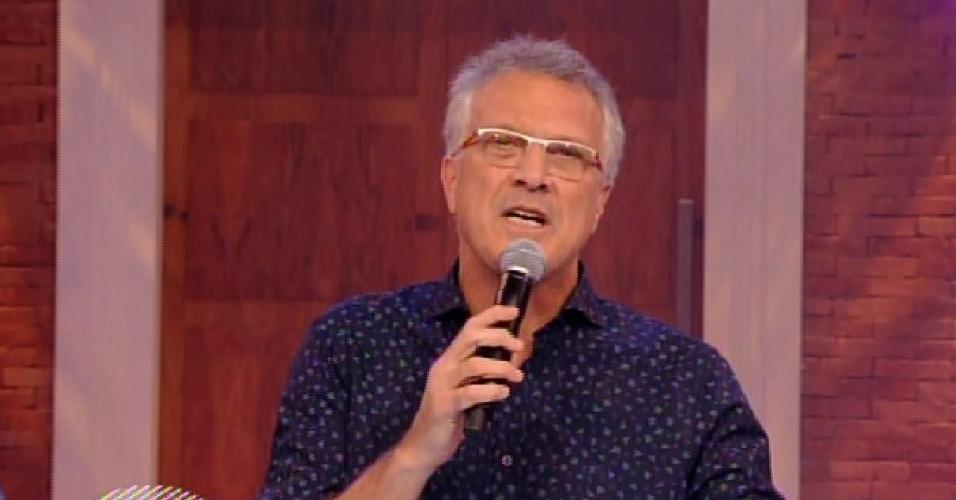 """27.jan.2015 - Pedro Bial começa programa da primeira eliminação do """"BBB15"""""""