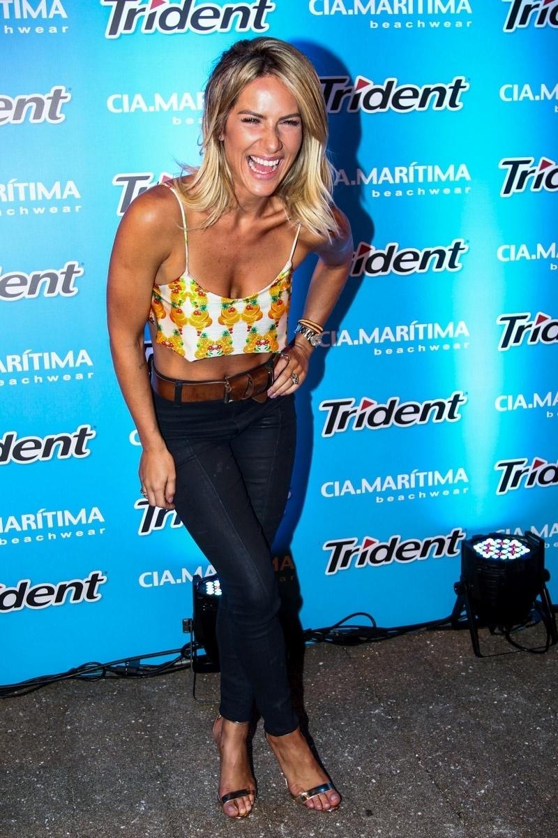 27.jan.2015 - Giovanna Ewbank é uma das convidadas de um desfile de moda praia que aconteceu na noite desta terça-feira, em um shopping em São Paulo