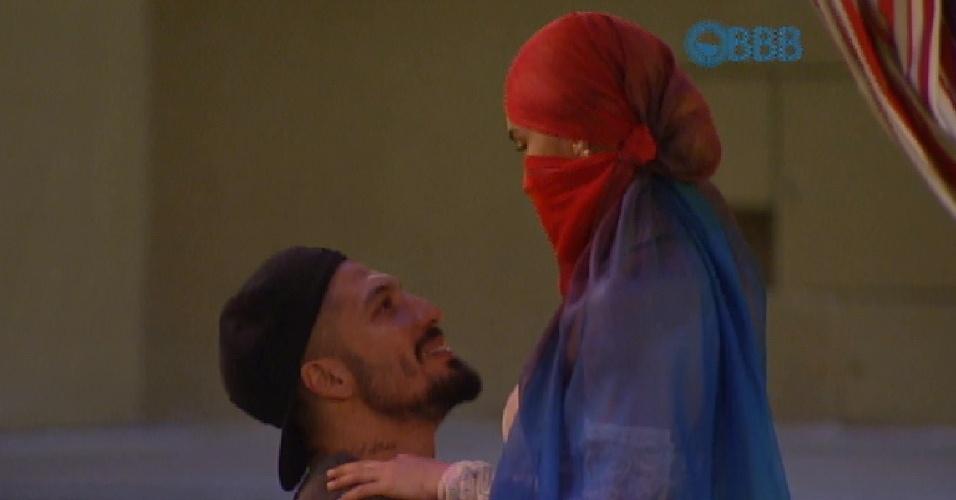 28.jan.2015 - Fernando e Aline conversam na Festa Árabe