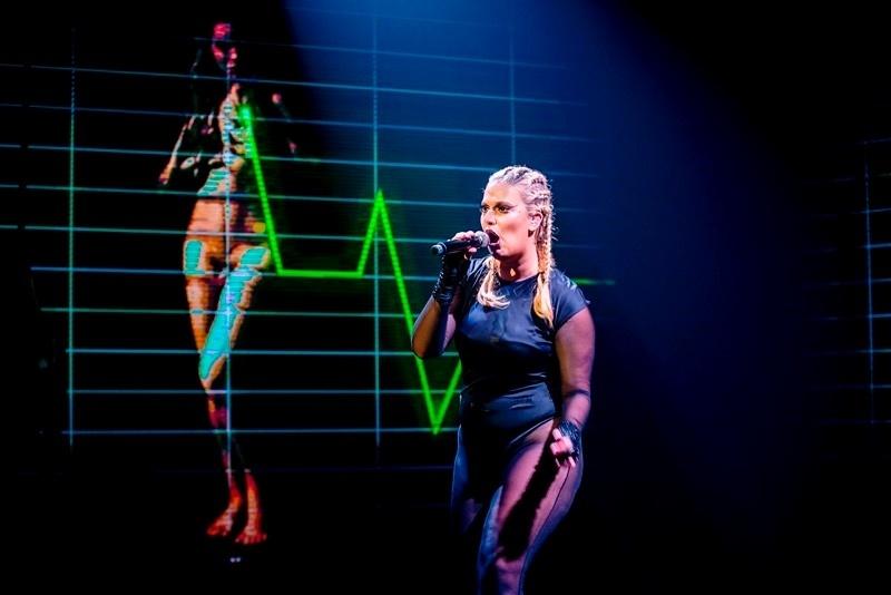 Alice Caymmi em show no Teatro Itália, em dezembro passado, com direção artística do estilista Paulo Borges
