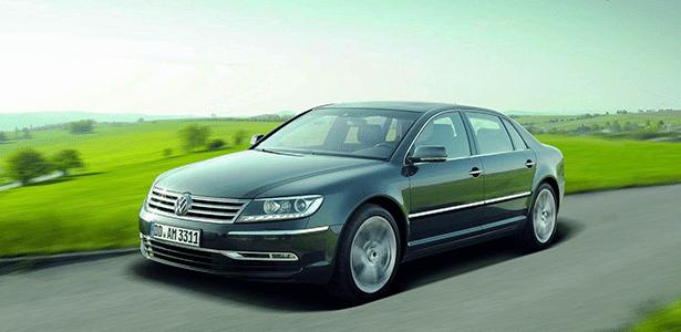 """Esse """"Passatão"""" é o Phaeton, sedã de luxo da Volks que só vende bem na China - Divulgação"""