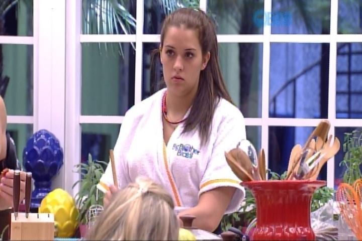 29.jan.2015 - Adrilles confessou que sente-se atraído por Tamires (foto). Pensando que a sister havia escutado a sua declaração, o poeta disse que estava envergonhado
