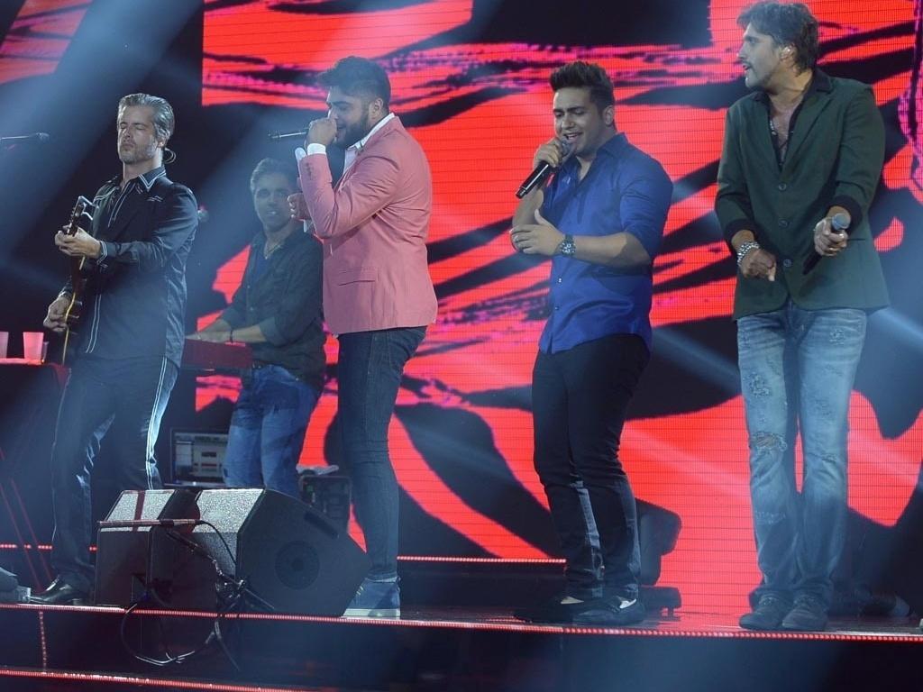 28.jan.2015 - Victor & Leo gravam em São Paulo o 4º DVD da carreira com a participação de vários artistas, como Henrique & Juliano, Milionário & José Rico, Wesley Safadão, Malta, Lucyana e Victor Freitas & Felipe