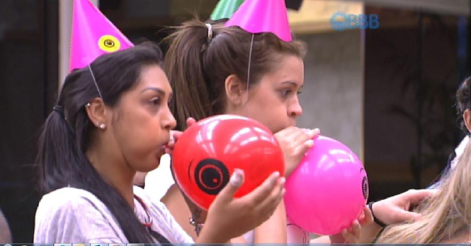 30.jan.2015 - Sisters ajudam a organizar festinha para Luan, que fez aniversário no confinamento