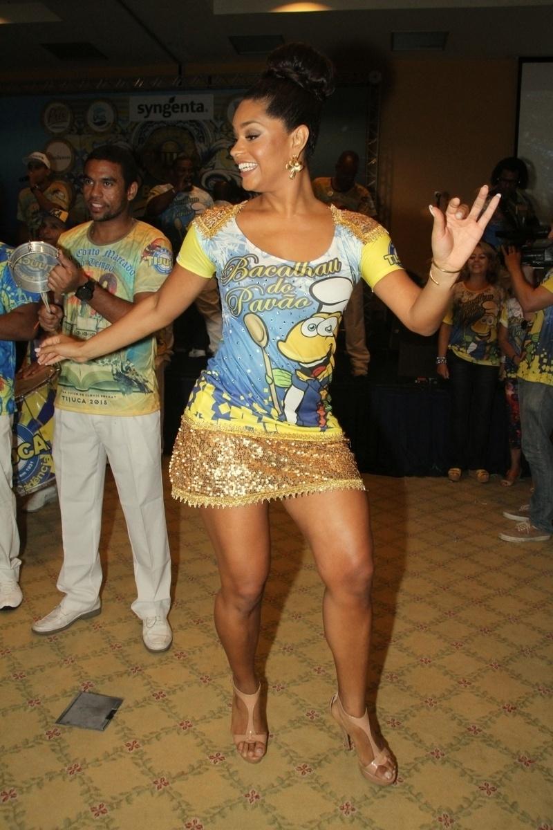 31.jan.2015 - A Rainha da Bateria da Unidos da Tijuca, Juliana Alves, mostrou show de samba durante o Bacalhau do Pavão, evento tradicional realizado pela agremiação.