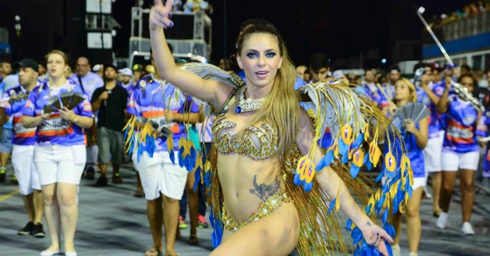 1º.fev.2015 - Ensaio técnico da Acadêmicos do Tatuapé contou com Mariane Ranieri, a Miss Bumbum Portugal
