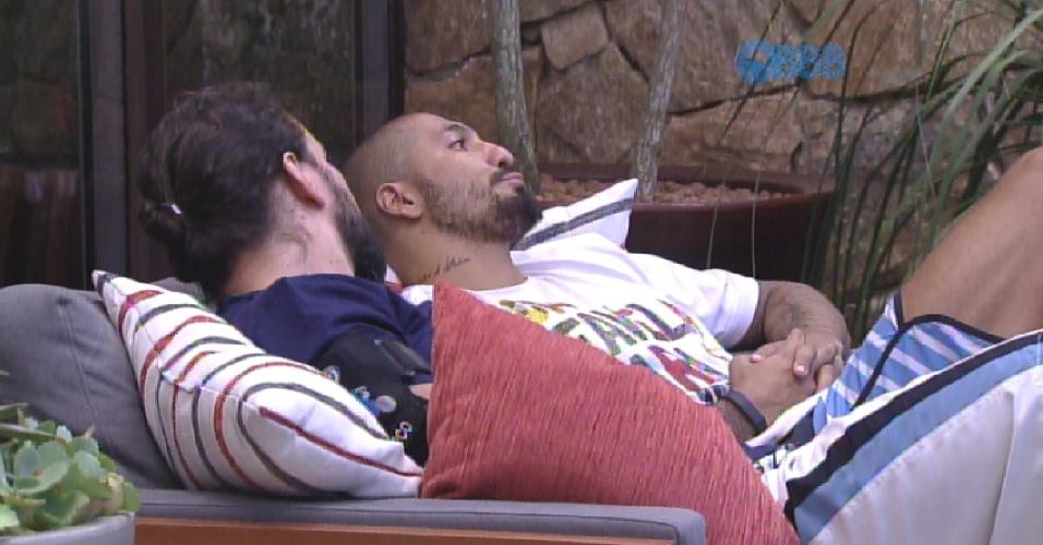 2.fev.2015 - Marco aconselha Fernando a parar de justificar seu voto para Angélica