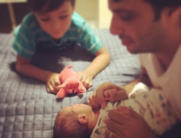 Vanessa Giácomo mostra a filha Maria, que nasceu no dia 24 de janeiro