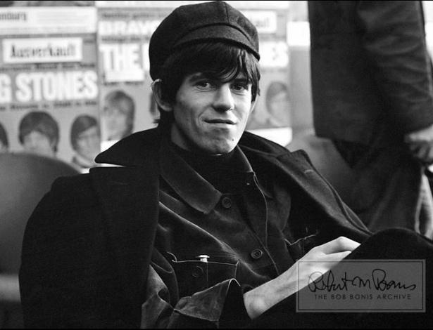 Coleção de fotos raras dos Beatles e dos Rolling Stones durante turnês nos EUA, na década de 1960, está à venda no eBay. Na imagem, Keith Richards em 1965
