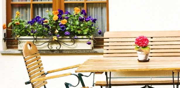 As floreiras podem trazer mais vivacidade a sua janela, monte o seu cantinho natural - Getty Images