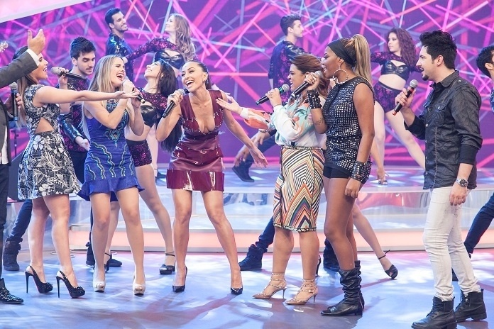 Preta Gil, Ludmilla, Thaeme e Thiago e Wanessa homenagearam a japa. Sabrina se empolgou e chegou a cantar com eles. A apresentadora completou 34 anos nesta quarta, 4 de fevereiro