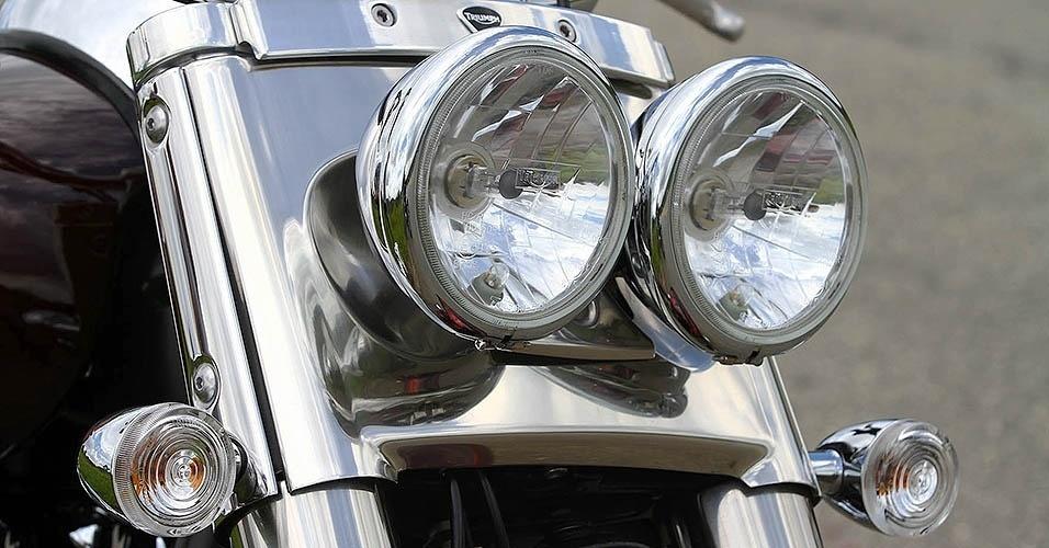 Triumph Thunderbird Commander