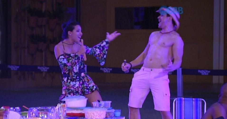 05.fev.2015 - Amanda e Cézar são os dois únicos brothers que aproveitam a festa e mostram muito gingado