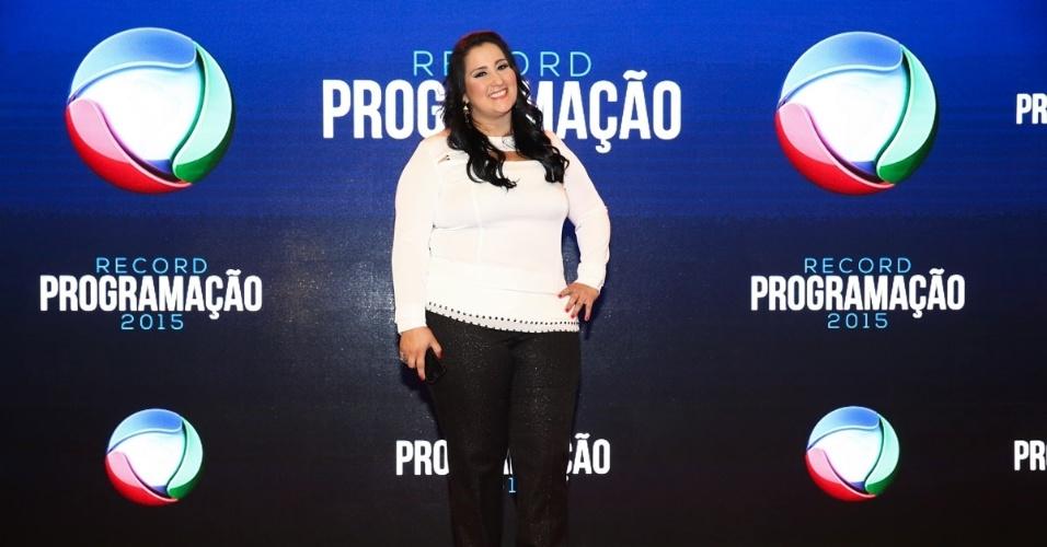 5.fev.2015 - Fabíola Gadelha posa durante a apresentação da programação 2015 da Record, em São Paulo