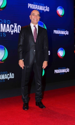 5.fev.2015 - Luiz Guilherme posa durante a apresentação da programação 2015 da Record, em São Paulo