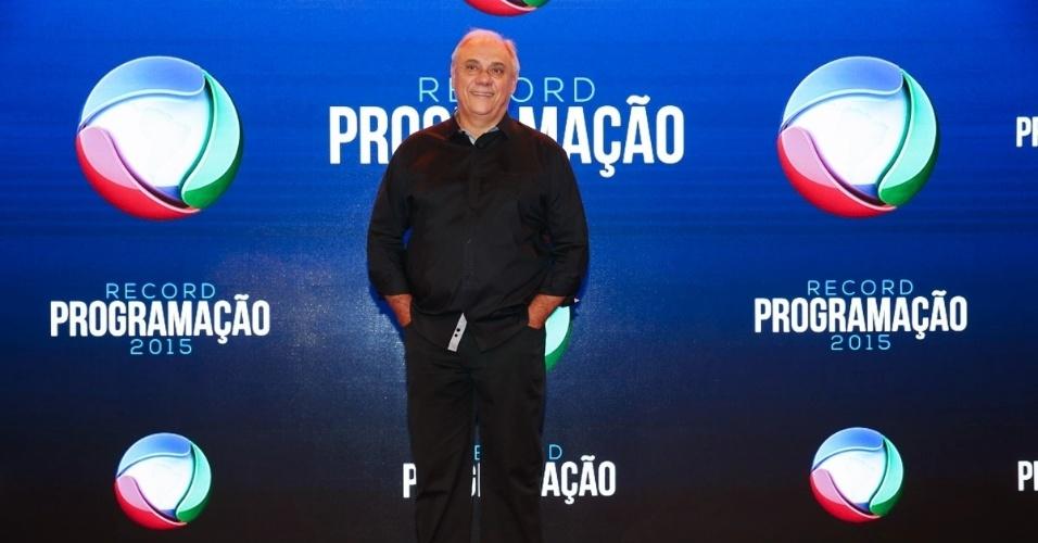 5.fev.2015 - Marcelo Rezende chega para apresentação da programação 2015 da Record, em São Paulo