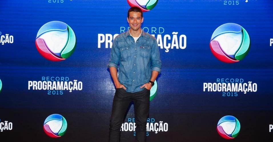 5.fev.2015 - Sérgio Marone posa durante a apresentação da programação 2015 da Record, em São Paulo