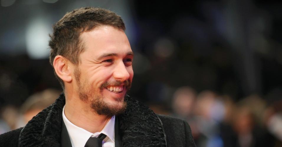 """5.fev.2015 - O ator James Franco chega para a exibição do filme """"Nobody Wants the Night"""" durante a festa de gala da 65ª Berlinale"""