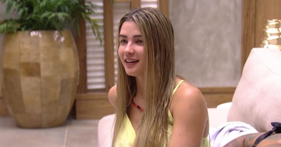 6.fev.2015 - Em conversa com Adrilles, Mariza e Fernando, Aline afirma nunca ter tido relações sexuais em um primeiro encontro