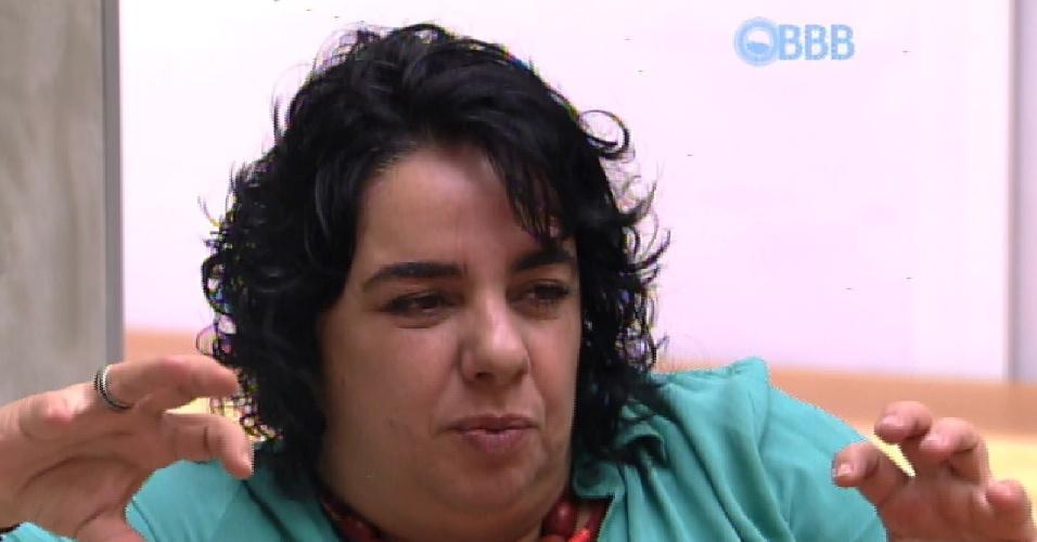 6.fev.2015 - Em conversa com Adrilles, Mariza diz estar desconfiada com o comportamento de Rafael