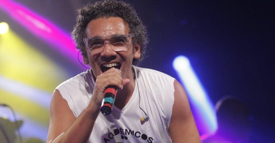 6.fev.2015 - Bloco Acadêmicos do Baixo Augusta anima a noite do CarnaUOL, no Audio Club, na Barra Funda, zona oeste de São Paulo, nesta sexta-feira