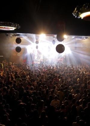 No ano passado, muitos foliões se divertiram nas festas e bailes do CarnaUOL