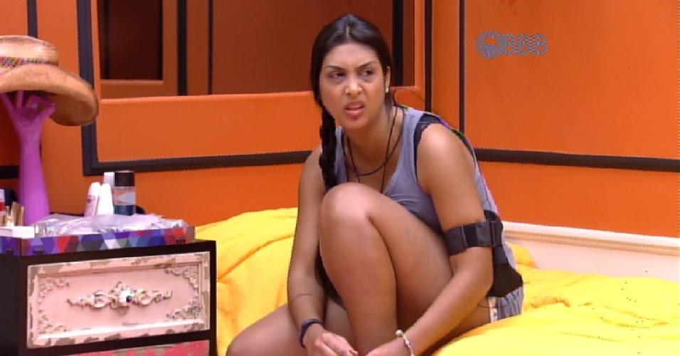7.fev.2015 - Amanda diz que irá votar em Aline por gostar de Fernando