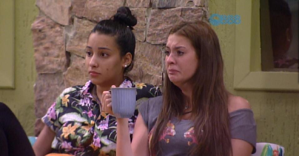 """7.fev.2015 - Tamires chora após comentário de Fernando. """"Falou que estou olhando torto"""", disse ela"""