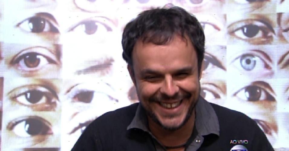 """8.fev.2015 - Adrilles vota em Luan para o terceiro paredão do """"BBB15"""""""