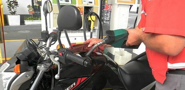 Dosar o acelerador reduz consumo de gasolina em 20% -- e você só perde cinco minutos - Cicero Lima/UOL