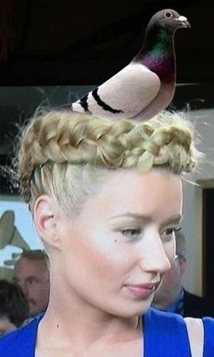 O penteado da rapper Iggy Azalea não foi perdoado pelos internautas, que o compararam a um ninho e fizeram uma montagem com uma pomba