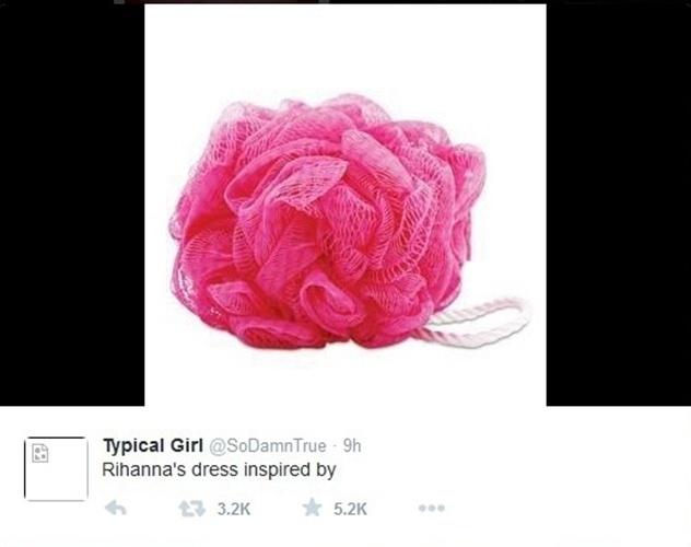 Um internauta brincou e disse que a esponja cor de rosa inspirou o look de Rihanna