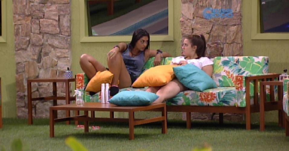 """10.fev.2015 - Amanda volta a relembrar a história entre ela, Fernando e Aline. """"Ela [Aline] não tem personalidade"""""""