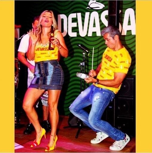 10.fev.2015 - Flávia Alessandra e Otaviano Costa foram anunciados como os anfitriões do Camarote Devassa no Carnaval 2015. Os dois ficarão encarregados de recepcionar os convidados do espaço exclusivo no sambódromo do Rio de Janeiro