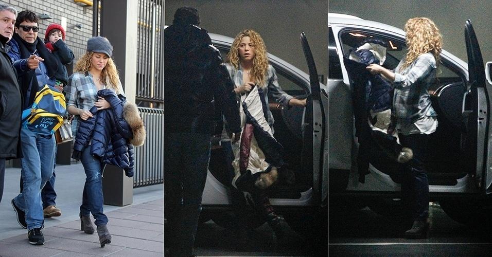 9.fev.2015 - Em Barcelona, Shakira é fotografada pela primeira vez após dar à luz o seu segundo filho, Sasha. De acordo com a agência Grosby Group, a cantora foi a uma consulta médica e depois busco o filho mais velho, Milan, na escola. Ela estava acompanhada de seu irmão, Tonino