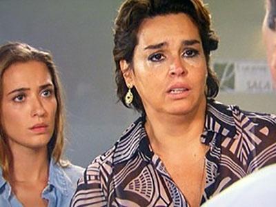 Beatriz quer que Enrico doe sangue para o pai