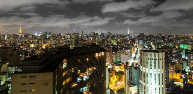 Visão noturna da região central da capital paulista - Getty Images