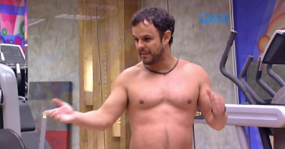 11.fev.2015 - Adrilles cita enquete do UOL em conversa com Fernando