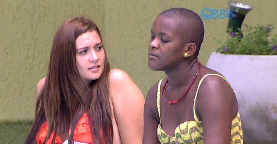 11.fev.2015 - Angélica e Tamires conversam sobre Fernando